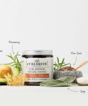 Curlsmith Curl Defining Styling Souffle er en hårstyling gel til salg på www.curlsforyou.dk på billedet vises ingredienserne i soufflen