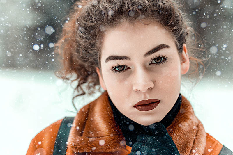 Photo by Jonas Svidras on Unsplash sued on blog about curls in the winter